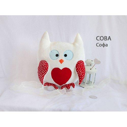 Подушка Сова Софа красные крылья с сердцем