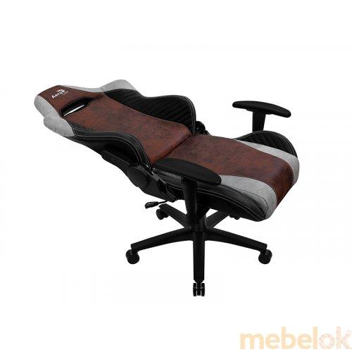Кресло для геймеров AEROCOOL BARON Iron Black с другого ракурса