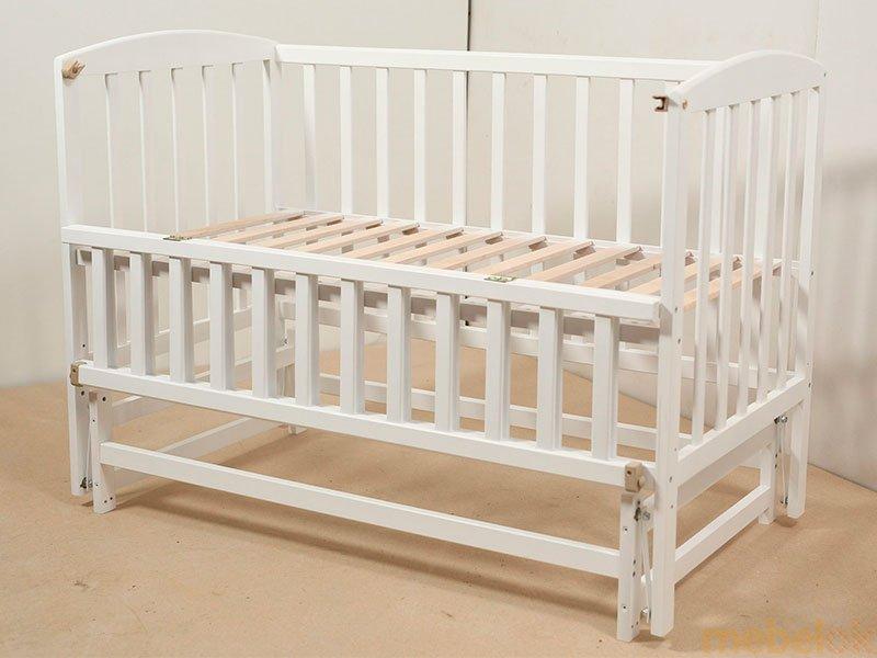 Кроватка VALERI на шарнирах с подшипником и откидной боковиной окрашенная с другого ракурса