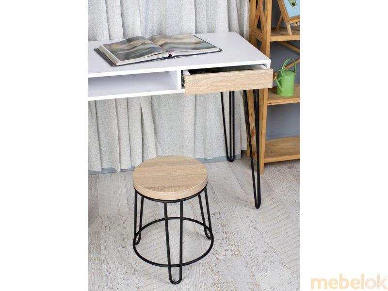 Стіл Desk Pro 1500 з іншого ракурсу