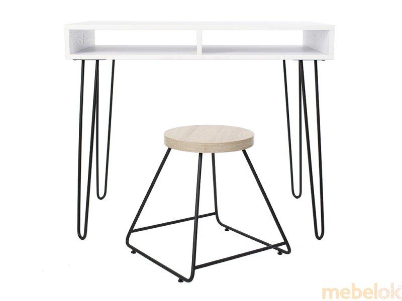 Стіл Desk 1000 з іншого ракурсу