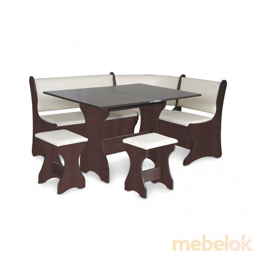 Зеркальное отображение - Кухонный уголок Италия со столом и табуретами