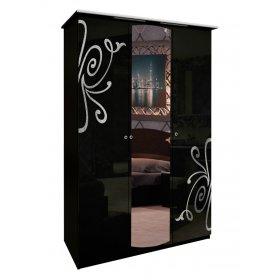 Трехдверный шкаф Богема