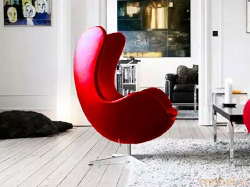 мягкое кресло с видом в обстановке (Кресло ЭГГ кожа красный)