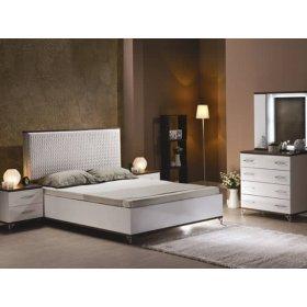 Белый спальный гарнитур Мода-2