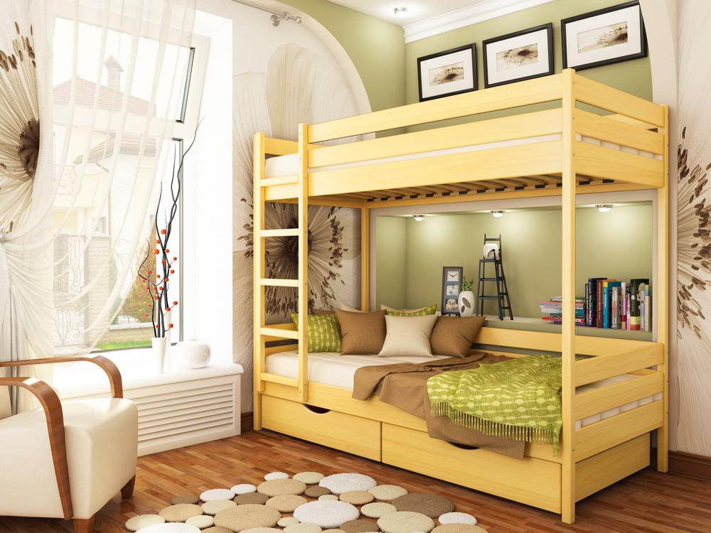 Деревянная двухярусная кровать в детской