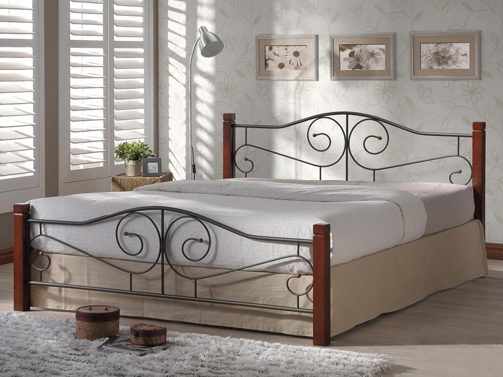 кровати металические