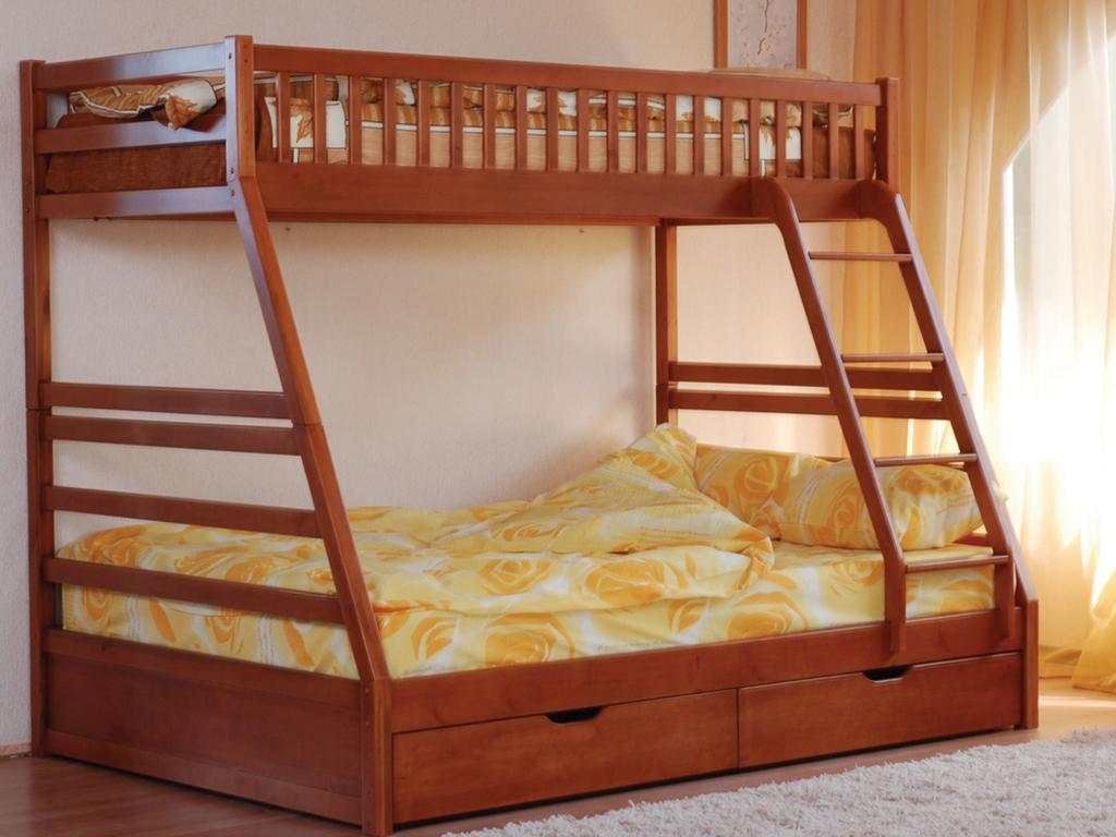 Двухъярусная кровать с широким нижним местом
