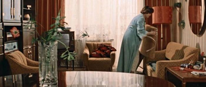 """Стенка в интерьере квартиры из к/ф """"Москва слезам не верит"""""""