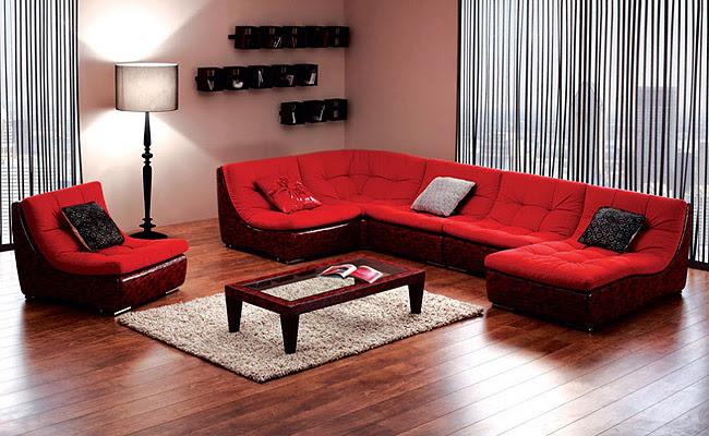 Большой модульный диван в гостиной