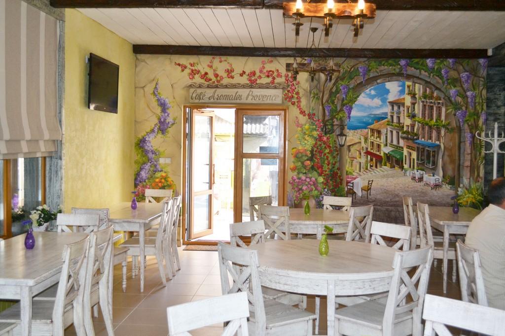 Мебель для кафе в стиле Прованс