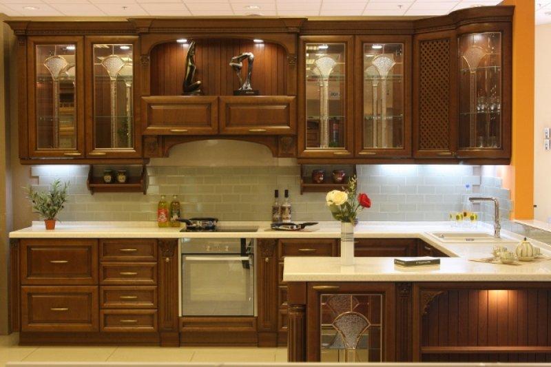 Кухонный гарнитур дизайн классика