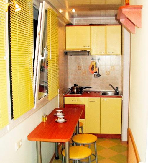 Мини кухня на балконе
