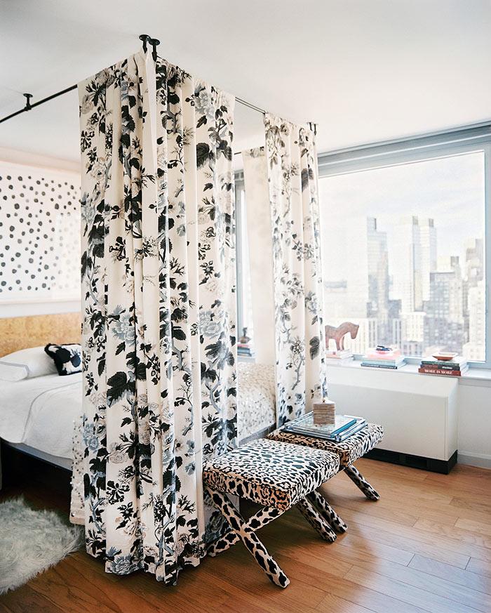 Использование балдахина в спальне