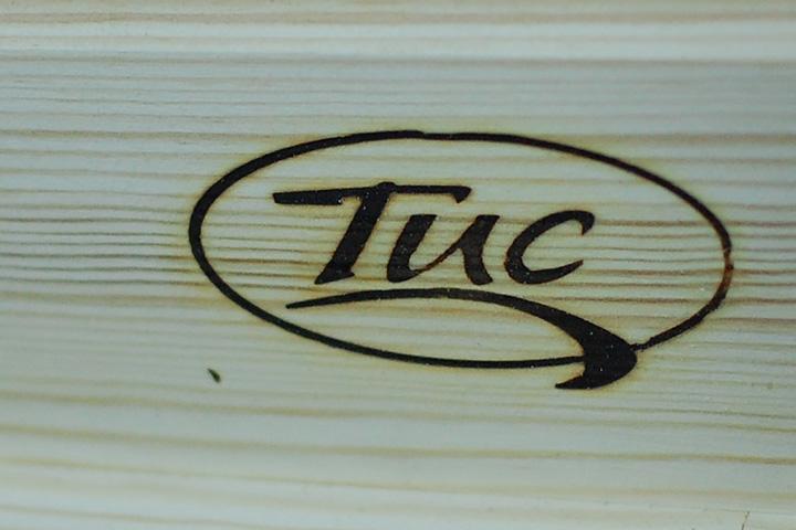 Фирменное клеймо фабрики ТИС на изделиях