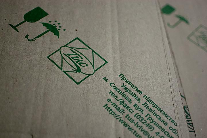 Фирменная упаковка мебели