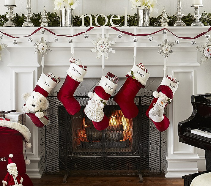 Декоративные носки для подарков к Новому году