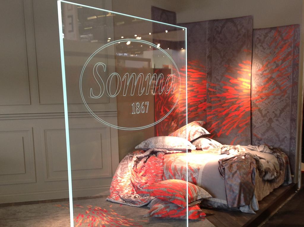 Somma та выставке в Париже