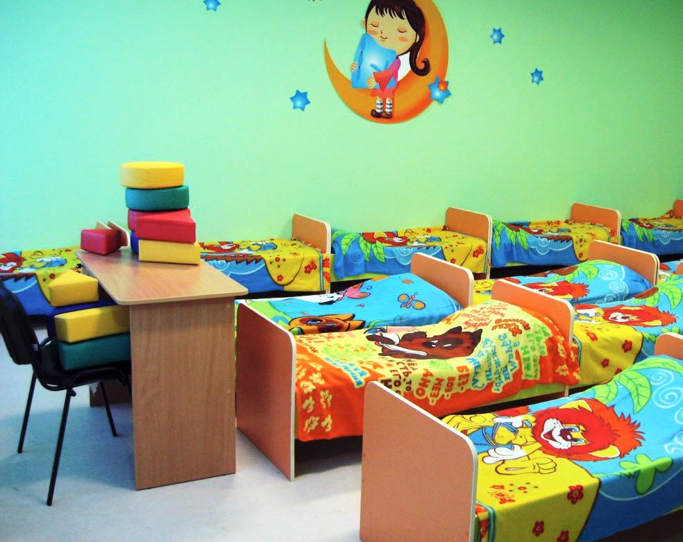 Кровати в детском саде