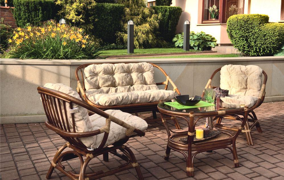 Плетенный комплект и столик