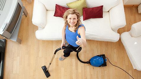 Как правильно чистить диваны