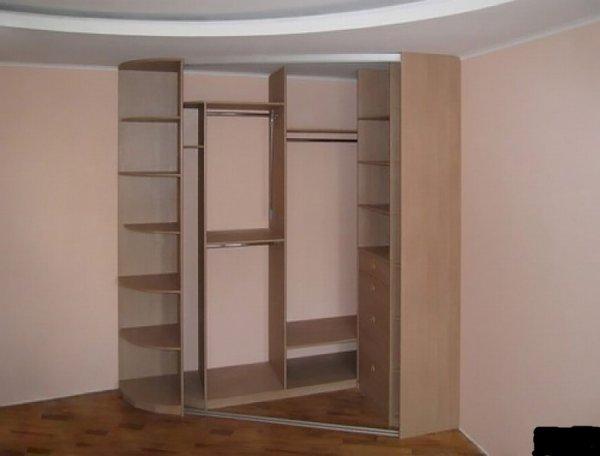Встроенный шкаф-купе без задней стенки