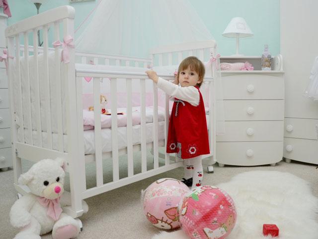 Кроватка в интерьере детской